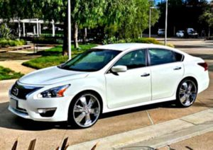 maintained 2013 Altima 3.5 SL for Sale in Pittsburg, KS