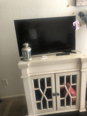 Small Chest Cabinet/Dresser for Sale in Los Angeles, CA