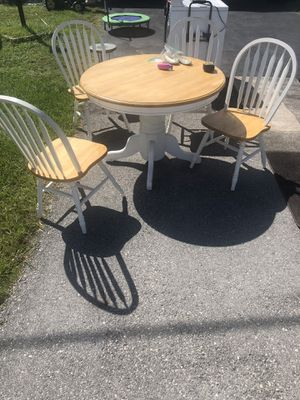 Kitchen circle table and 4 chairs for Sale in Port Charlotte, FL