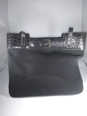 SLIGHTLY USED SHOULDER BAG STRONG AMD LONG LASTING ONLY $19.99 for Sale in Miami, FL