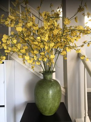Beautiful metal vase with silk yellow orchid flowers for Sale in San Diego, CA