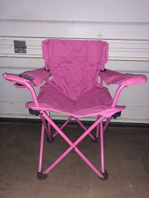 KIDS PINK CAMPING CHAIR for Sale in Renton, WA