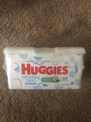 Huggies Refreshing Clean Baby Wipes 64 ct. Tub for Sale in Chesapeake, VA