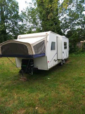 2003 Kiwi by jayco camper for Sale in Alexandria, VA