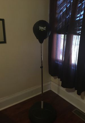 5ft adjustable standing speed bag for Sale in Peoria, IL
