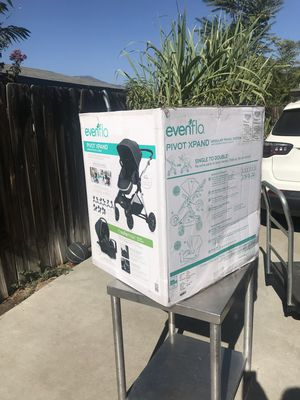 Evenflo Pivot Xpand double stroller Roan color for Sale in Los Angeles, CA