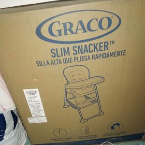 Graco Slim Snacker Fast Folding High Chair for Sale in Los Angeles, CA