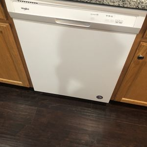 Dishwasher Whirlpool for Sale in Stafford, VA