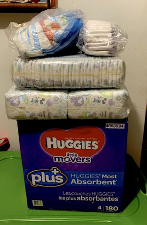 Pampers/diapers for Sale in Chicago, IL