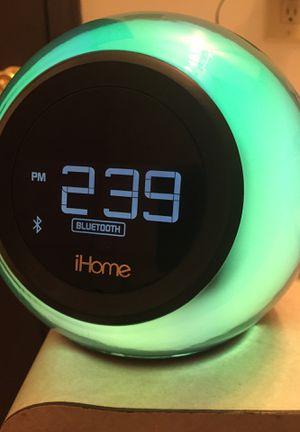 IHome Bluetooth alarm clock speaker, with radio and USB (users Manuel and original box available) for Sale in High Ridge, MO
