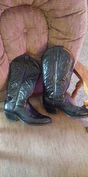 Like new men's cowboy boots for Sale in Wichita, KS