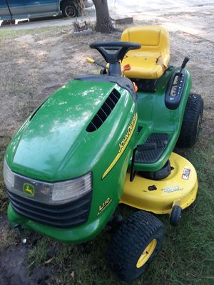 John deere 42 inch riding mower/ tractor for Sale in Irving, TX