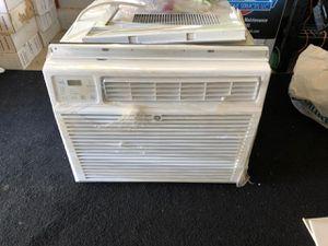 GE 1800btu 120v AC window unit for Sale in Vancouver, WA
