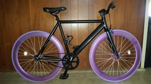 "Black/Metallic Purple Authentic Feather-Weight Aluminum ""6KU"" Brand Custom Single Speed Track Fixie Bike M/L Size 57 In Excellent Condition 10/10. for Sale in ROWLAND HGHTS, CA"