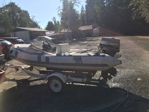 1993 Achilles with 30hp Yamaha outboard for Sale in Battle Ground, WA