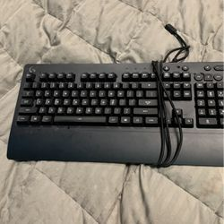 Gaming Keyboard for Sale in Maywood Park,  OR