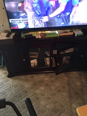 Tv stand. 62l)'m19() 2(h for Sale in Charleston, WV
