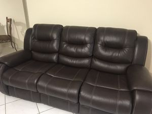 New electrical couch excellent condition for Sale in Sarasota, FL