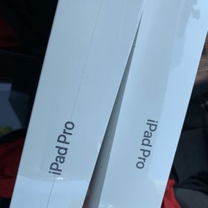 Apple iPad Pro 12.9 inch or 11 inch new 2020 more than one available I can bring to you today 🚙 for Sale in Hayward, CA