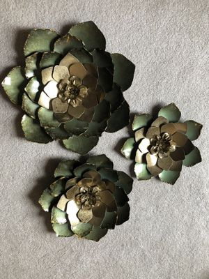 Wall decoration set of 3 metal flowers for $25 original price $60 for Sale in Chantilly, VA