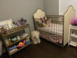 Baby crib and changing table with mattress for Sale in Detroit, MI