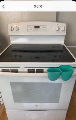 Stove for Sale in Parma,  OH
