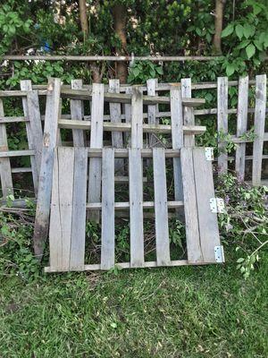 Free broken pallets for Sale in Detroit, MI
