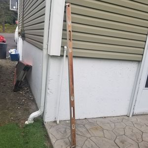 8 ft fiberglass ladder and 6 ft level for Sale in Wolcott, CT