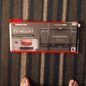 Monster Universal TV Mount 26-55 Inches for Sale in San Diego, CA