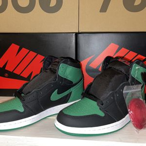 Jordan 1s Pine Green 2.0 for Sale in Hayward, CA