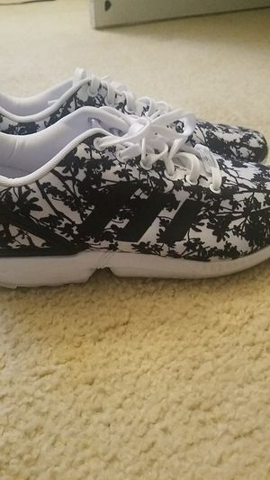 Adidas sneakers womens 10 1/2 for Sale in Acworth, GA
