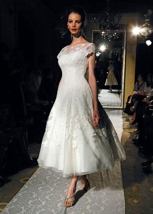 Oleg Cassini Wedding Dress for Sale in Irvine, CA