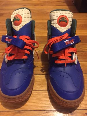 Reebok turf sneakers for Sale in New York, NY