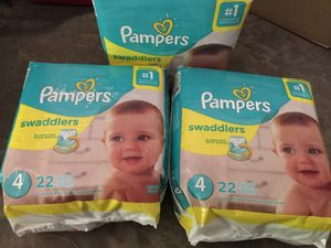 Pampers sz 4 for Sale in Spring, TX