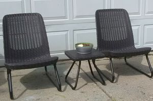 Contemporary low profile patio set for Sale in Columbus, OH