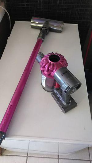 Dyson v6 cord free vacuum for Sale in Salt Lake City, UT