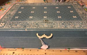 Vintage/Antique Dresser Box for Sale in Cincinnati, OH