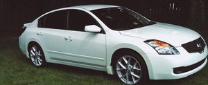 CLEAN TITLE NISSAN ALTIMA for Sale in Bridgeport, CT