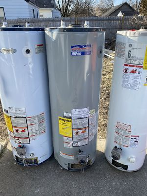 Hot water heater (delivery included) for Sale in Detroit, MI
