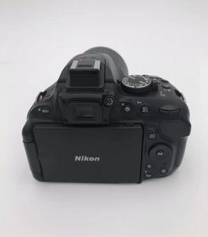 Nikon 5200 for Sale in Dallas, TX