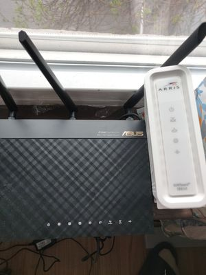 Modem and router, perfectly working excellent condition. Arris surfboard sb6141 and Asus rt-ac66u router for Sale in Chicago, IL