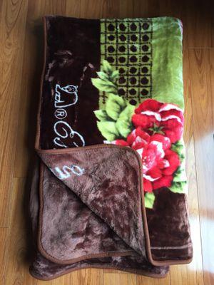 mr. Eskimo 8'x7' throw unused blanket for Sale in Boyds, MD