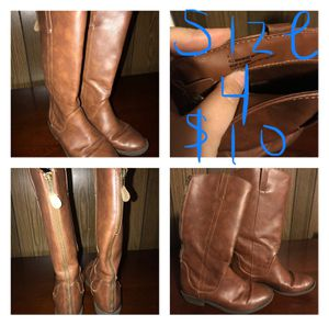 Girls boots size 4 for Sale in Fayetteville, NC