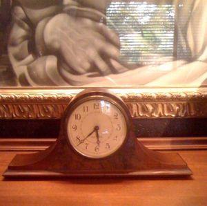 Antique SETH THOMAS CLOCK w/Chimes for Sale in Miami, FL