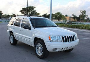 Low Miles 2004 Jeep Grand Cherokee AWDWheels for Sale in Columbus, OH