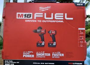 Milwaukee 2997-22 M18 Hammer Drill & Impact Driver Combo Kit w/(2) 5Ah PACKS for Sale in Stafford, TX