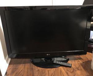 LG 40 inch TV for Sale in Burlington, NC