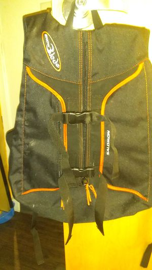 Salomon backpack (snowblade) for Sale in Portland, OR
