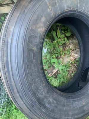 Dayton 295/75 22.5 trailer tire for Sale in Middleburg Heights, OH