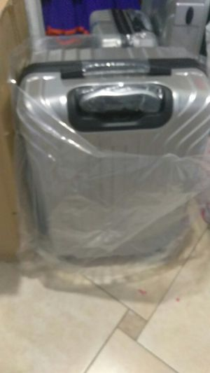 Silver Suit case for sale for Sale in Kissimmee, FL